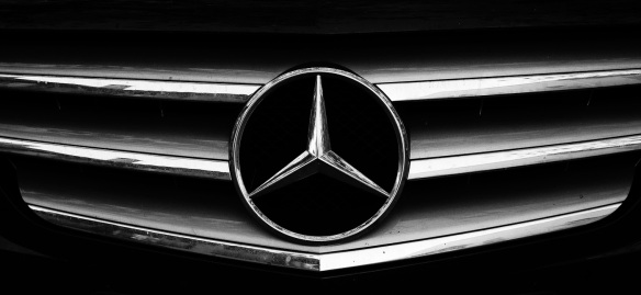 A Mercedes Benz grille in B&W with the Sony NEX-5N
