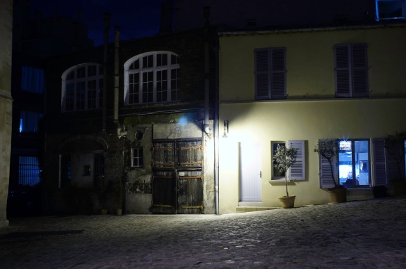 An old house at night, Sony NEX-5N and Leica Summicron-M 28