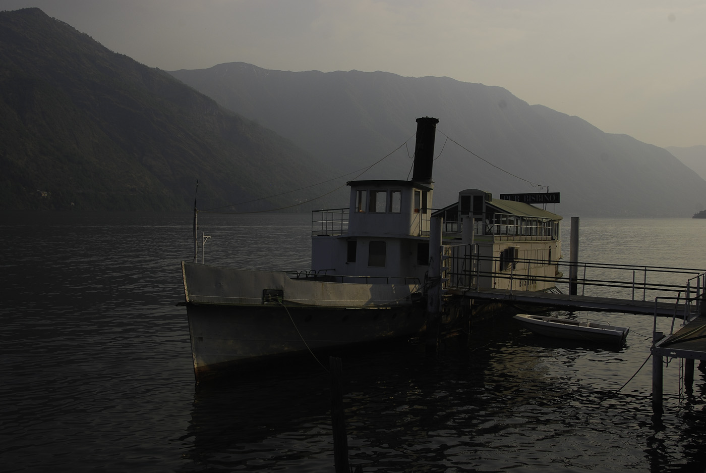 A photograph of a steam boat on lake major in Italy