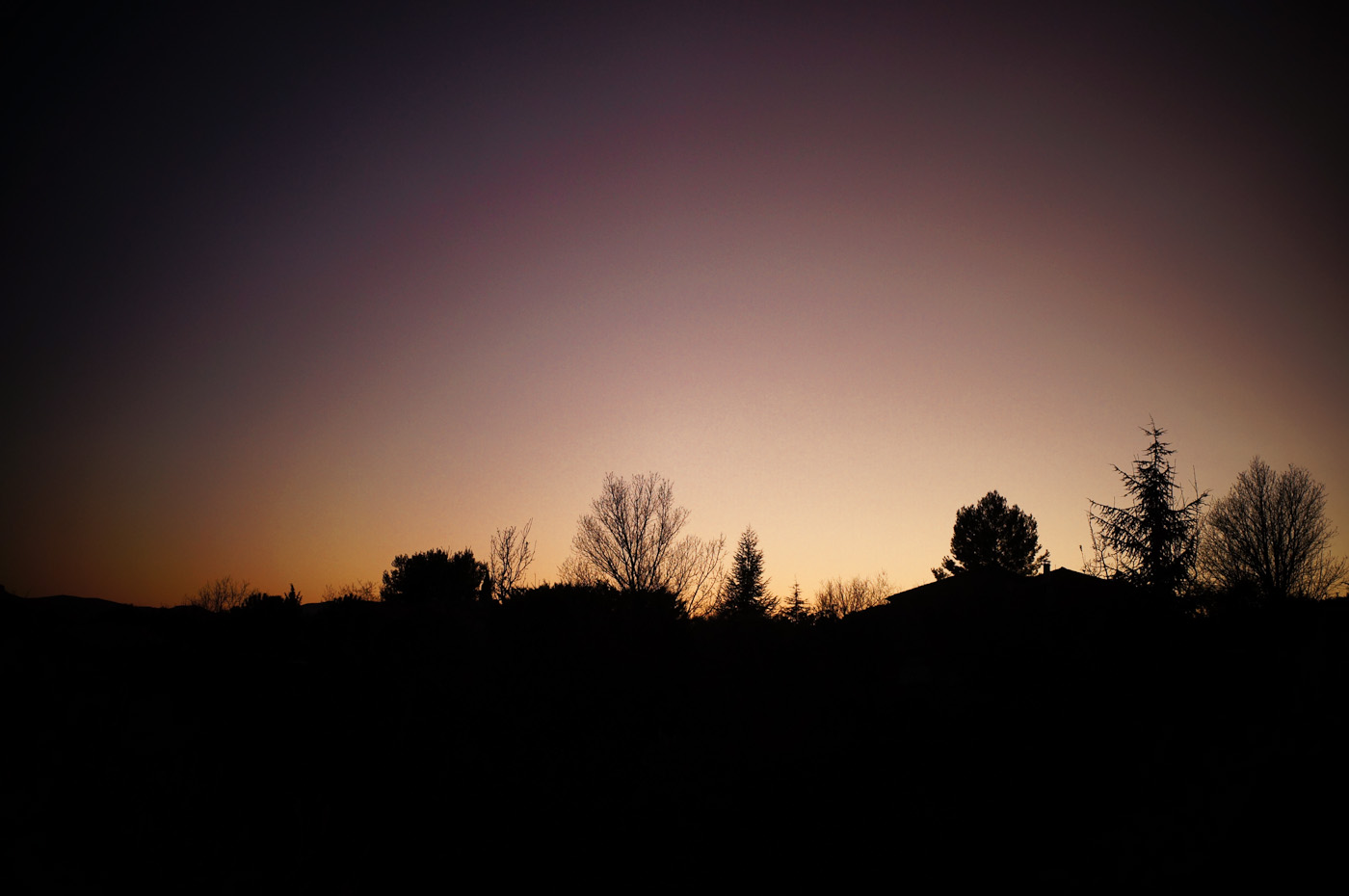 A magenta sunset accentuated by the Toy Cameramode on the Sony NEX-5N. Imaged with the Elmarit-M 90/2.8 Leica lens