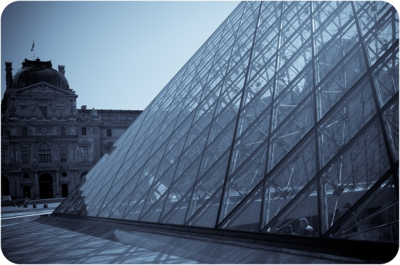 The glass pyramid at the center of the courtyard in Le Louvre museum, Paris. Sony NEX-5N and Zeiss ZM Biogon 25mm f/2.8