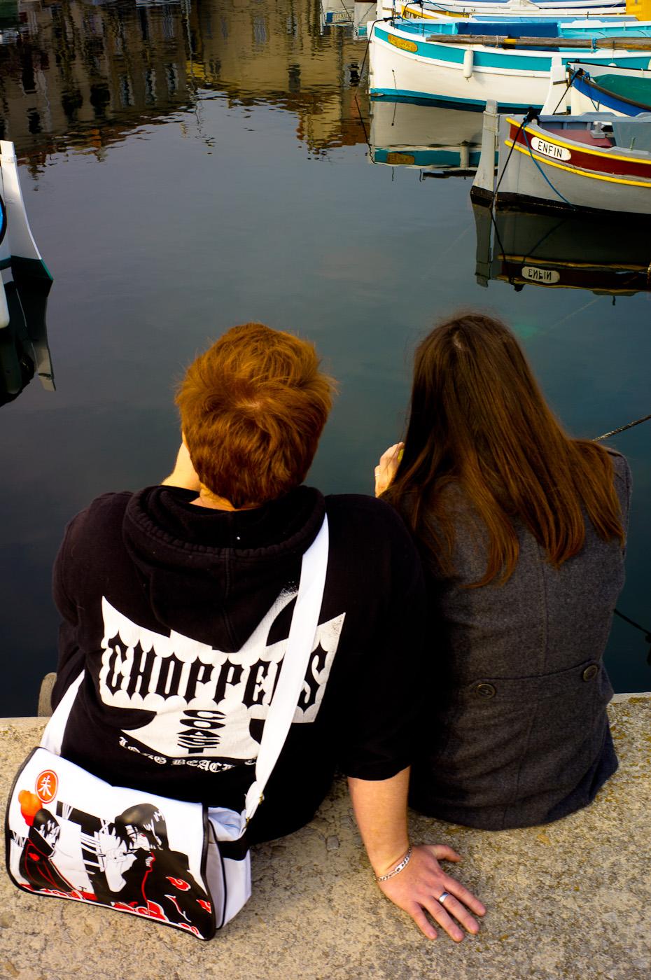 Two lovers in La Ciotat harbour