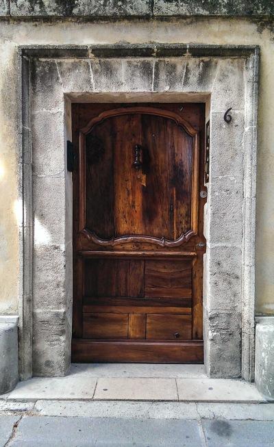 A wooden doorway in Arles - HTC One